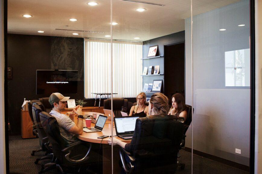 5 วิธีสร้างความสัมพันธ์ที่ดีระหว่างบริษัทกับพนักงาน